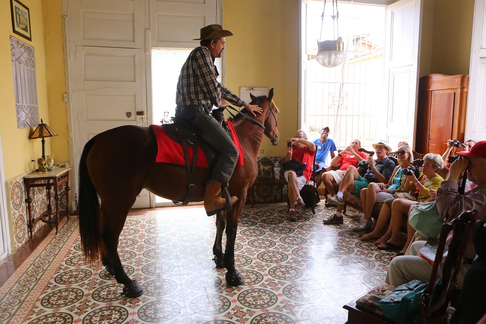 Horse-whisperer Julio Munoz horse National Geographic curated tour Trinidad Cuba